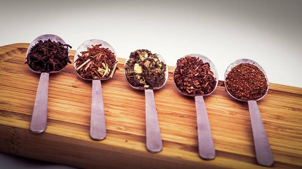 losse tea and spices in teaspoons
