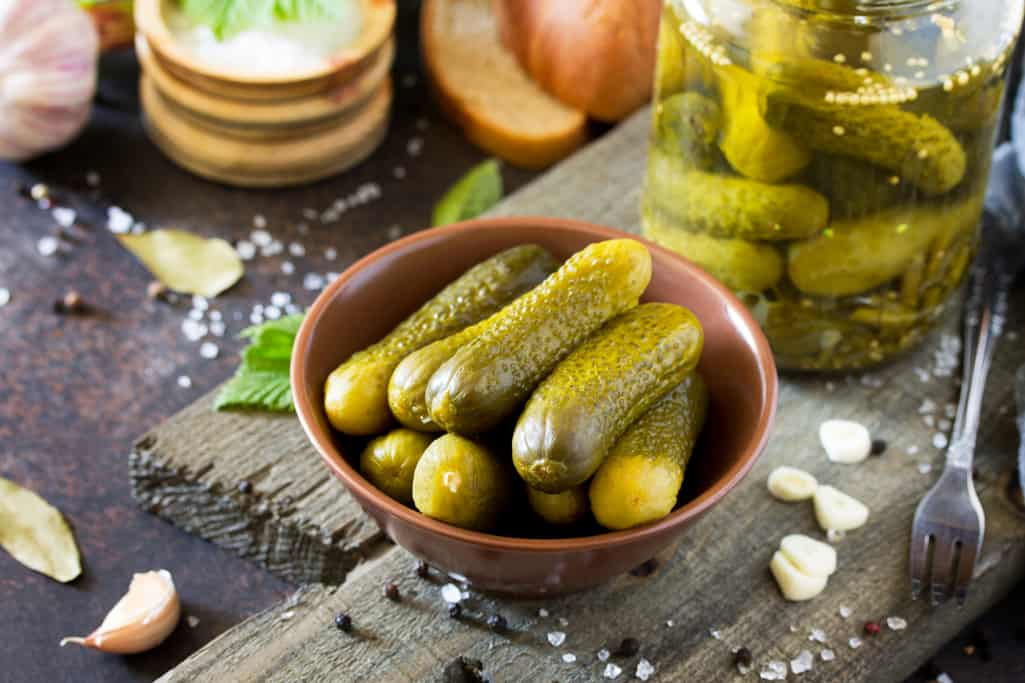 How to Make Lacto-Fermented Pickles