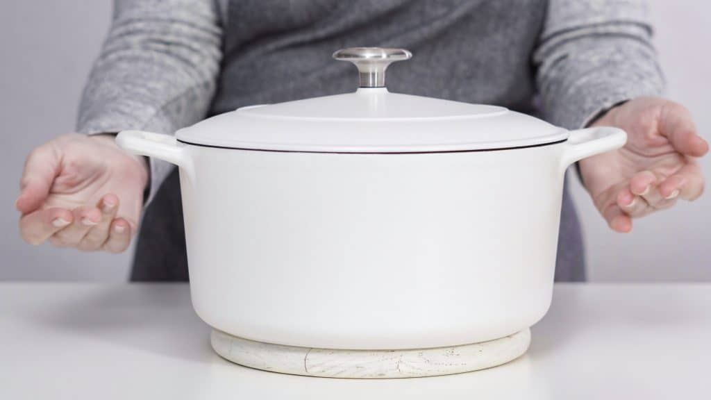 The Best Enameled Cast Iron Cookware [Lodge vs Le Creuset]