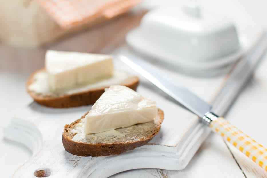 How to Make Cream Cheese [Homemade Recipe]