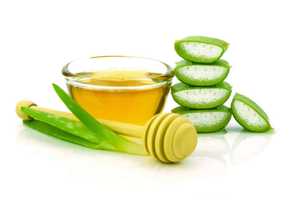 Apple Cider Vinegar and Aloe Vera Toner Recipe