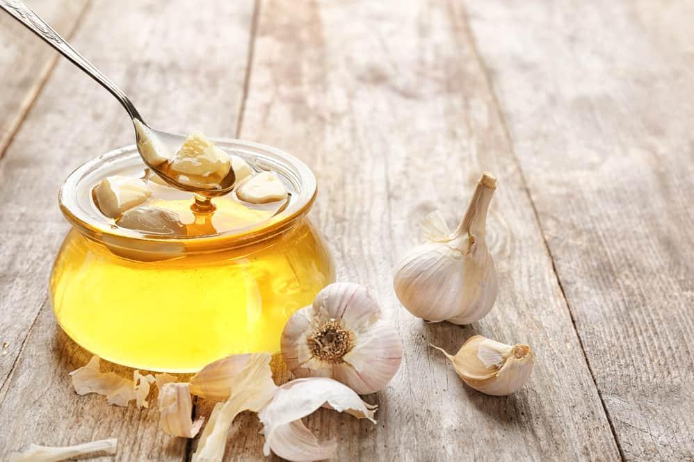 How to Make Fermented Honey [Garlic Honey Recipe]